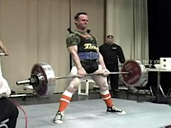 Jamie deadlifting