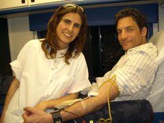 Members of the Israel Volunteer Corps giving blood