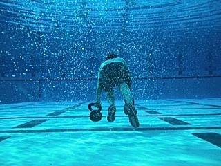 Underwater kettlebell drag