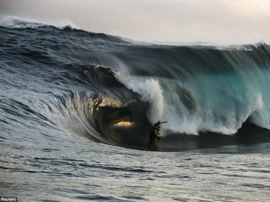41 foot wave